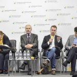 61% украинцев считают, что те, кто должен бороться с коррупцией, сами коррумпированы — соцопрос